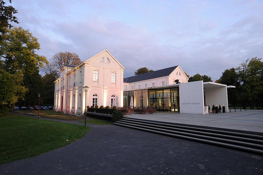 Außenansicht des Max-Ernst-Museums